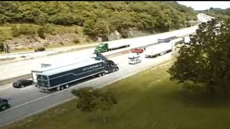 The West Virginia 511 camera shows a heavy traffic backup between Cross Lanes and Nitro on I-64W.