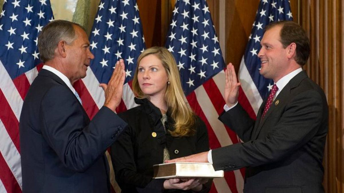 In this Jan. 6, 2015, file photo, House Speaker John Boehner of Ohio, left, administers a...