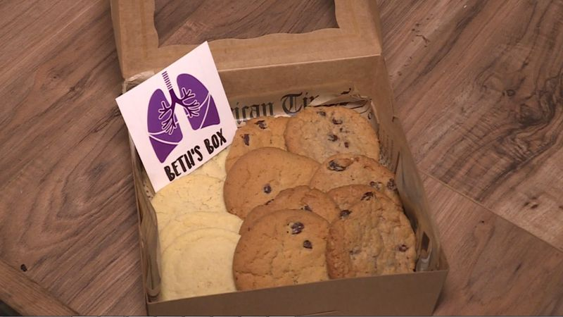 Proceeds from a cookie sale will go toward a woman facing a second double lung transplant.