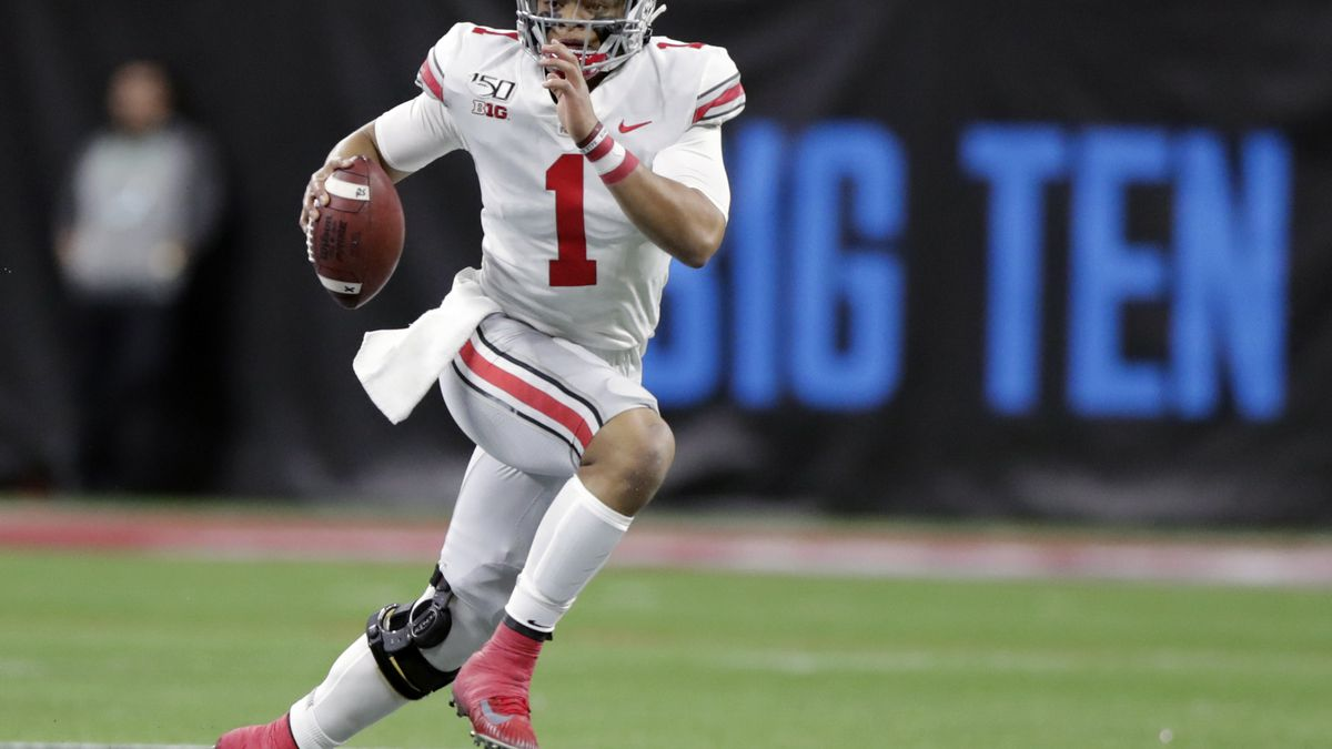 FILE - Ohio State is back in the top 25 at #6. (AP Photo/Michael Conroy, File)