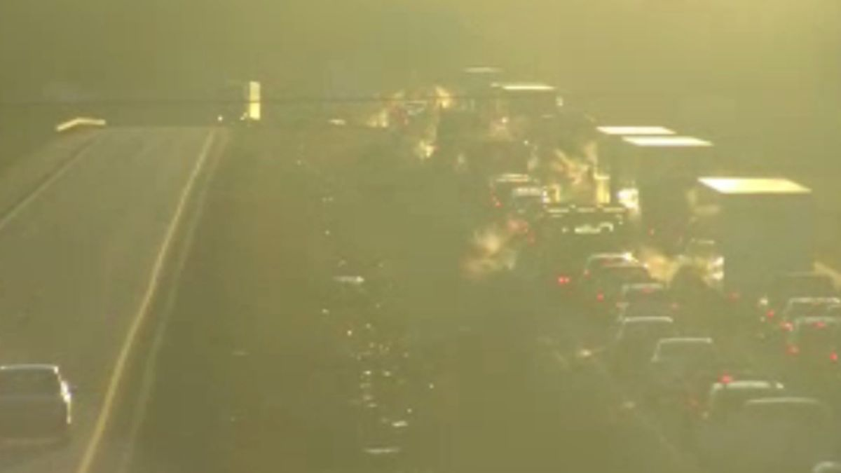 Two crashes backing up traffic on I-64 in Putnam County.