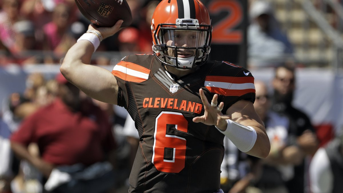 Cleveland Browns quarterback Baker Mayfield (6) throws a pass against the Tampa Bay Buccaneers...