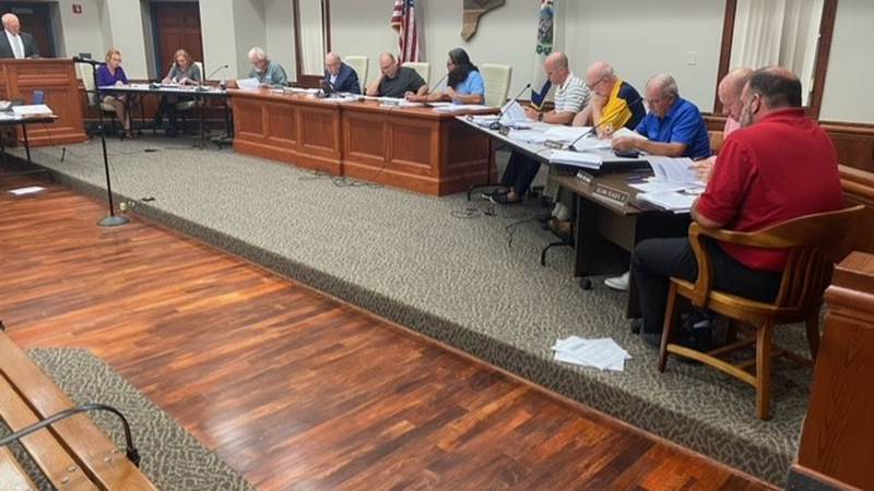 The Putnam Planning Commission voted unanimously in favor of changing the current requirement...