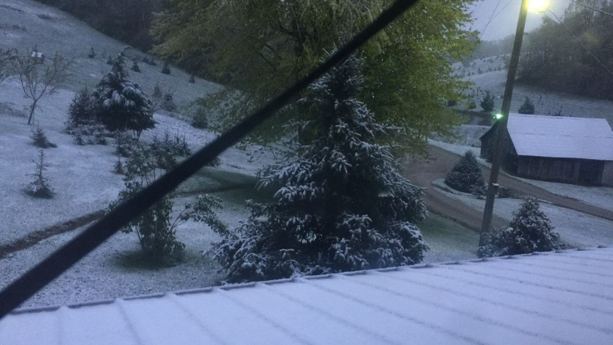 Snow sticking to the ground in Lawrence County, Ohio