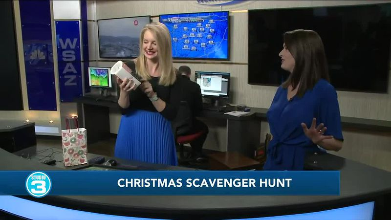 Christmas scavenger hunt with Amber Sipe